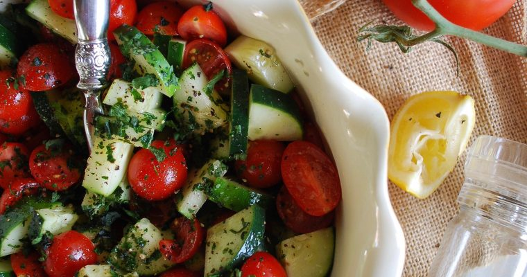 Refreshing Tomato & Cucumber Salad